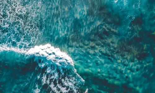 breaking sea waves